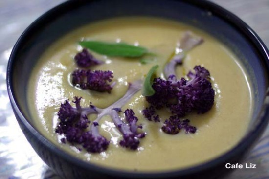 purple-cauliflower-soup
