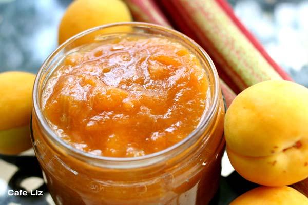 apricot-rhubarb-jam