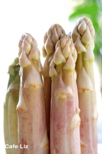 white asparagus spears