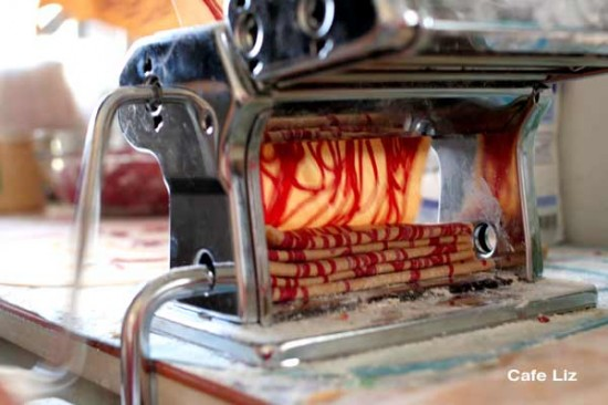pressing-noodles3
