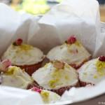 rose-cupcakes2-cafe-liz